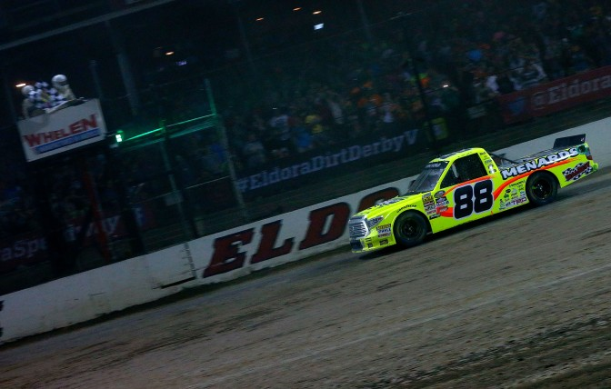 Crafton breaks winless streak, wins at Eldora